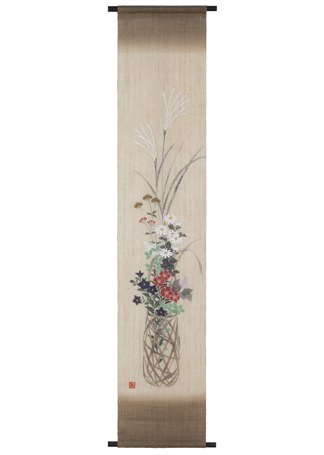 タペストリー「竹籠に秋草」