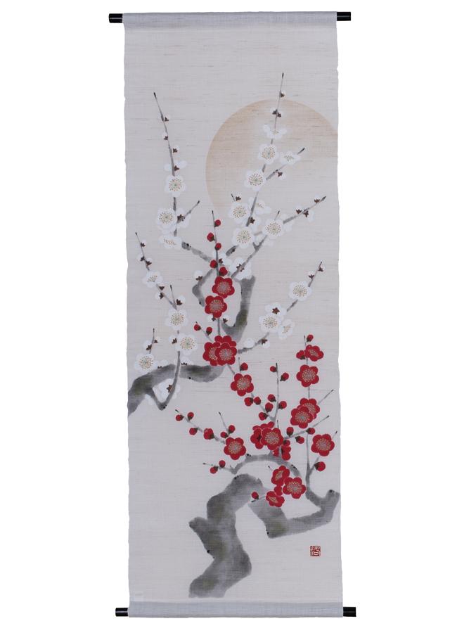 手描きタペストリー「紅梅白梅」