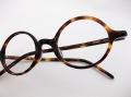 【オリジナル老眼鏡】アミパリ1881 デミブラウン  トラディショナルな丸型メガネが貴方の魅力を引きたてます ブルーライトカットレンズ仕様 【送料無料】