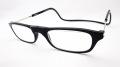 「クリックリーダー」  カラー:ブラック フロントの磁石でかんたん掛け外し、首からぶら提げる老眼鏡