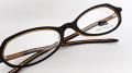 【オリジナル老眼鏡】 duo(デュオ)  D-2018 小ぶりのお洒落なプラスチックフレーム 携帯用老眼鏡にピッタリ! カラーはダークブラウンとバーガンディの全2色 ブルーライトカットレンズ仕様