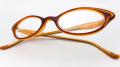 【オリジナル老眼鏡】モーゲンタールフレデリックス ブラウンとキャラメルのツートンカラー、とんがったシェイプのお洒落な眼鏡 ブルーライトカットレンズ仕様