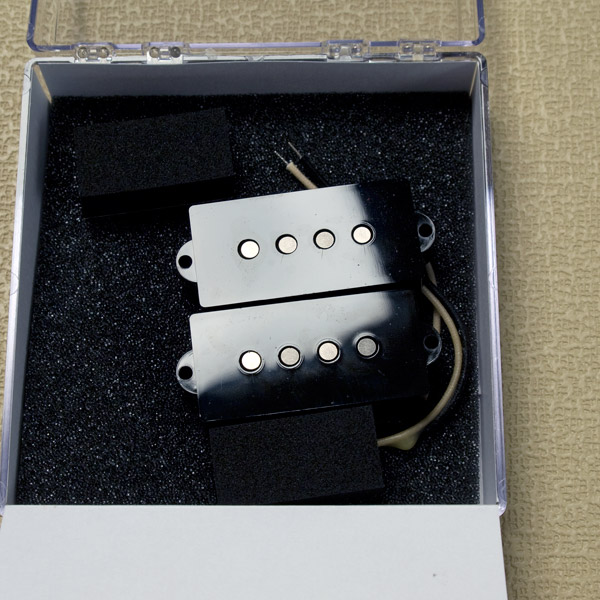 LOLLAR PICKUPS/Precision Bass Split-coil Pickups (Black) 【お取り寄せ商品】