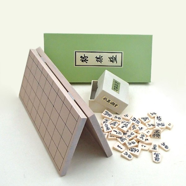 将棋セット 新桂5号折将棋盤とプラスチック製上駒水無瀬の将棋盤セット