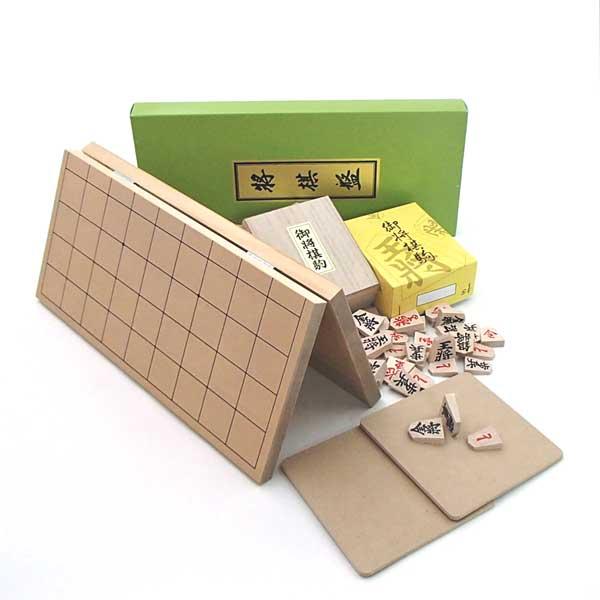 木製将棋セット 新桂5号折将棋盤と特選将棋駒に駒台付