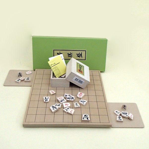 木製将棋セット 新桂5号折将棋盤と優良押将棋駒と駒台付