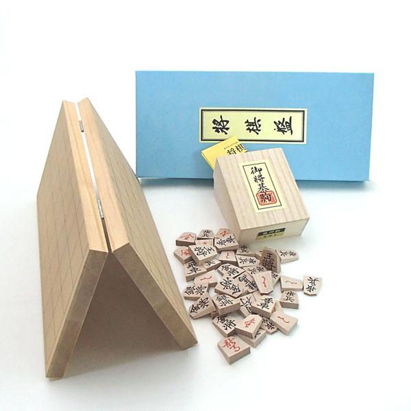 木製将棋盤セット 新桂6号折将棋盤と木製楓押し駒裏赤(四大書体の1番人気書体の菱湖)桐箱入り