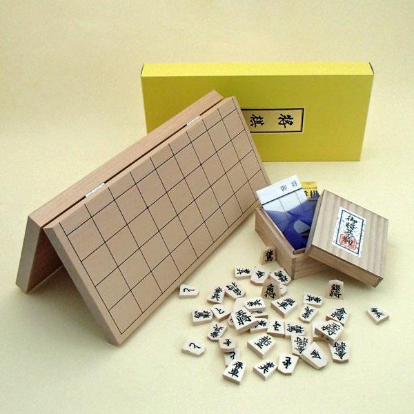 新桂7号折将棋盤と白椿上彫駒の将棋セット