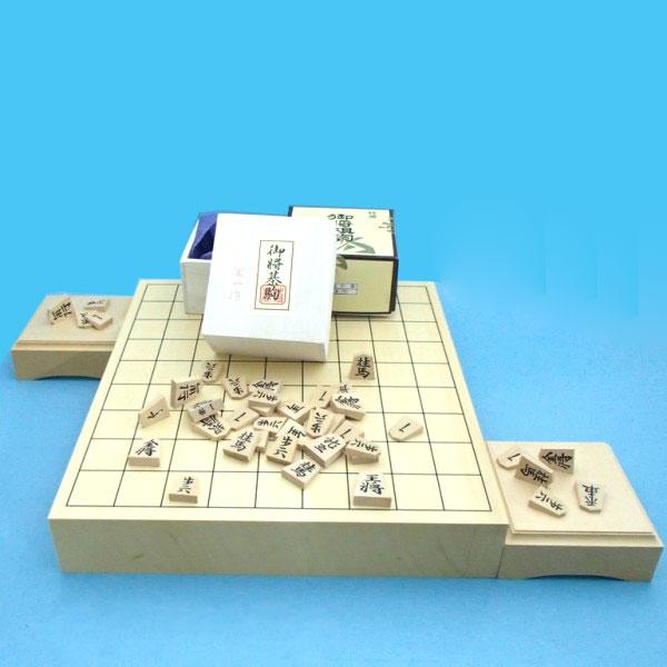 ヒバ2寸卓上接合将棋盤と白椿中彫駒と駒台のセット