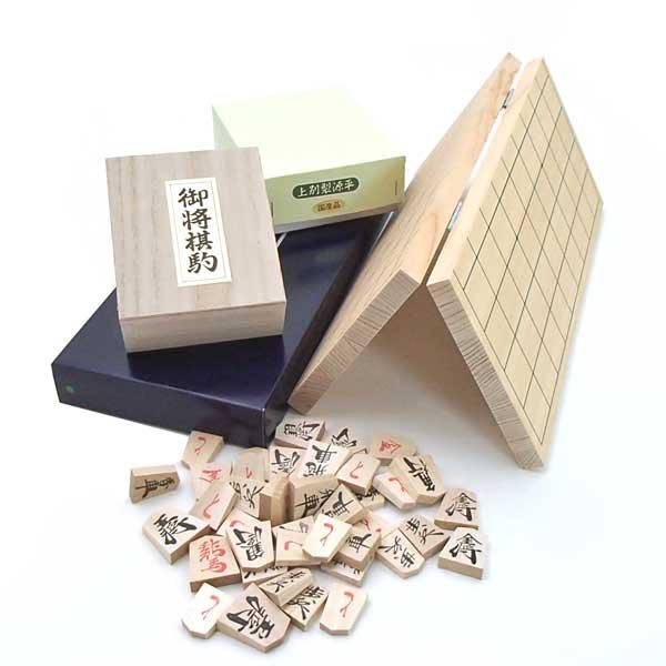 桧(ひのき)4号折将棋盤と国産上別製源平