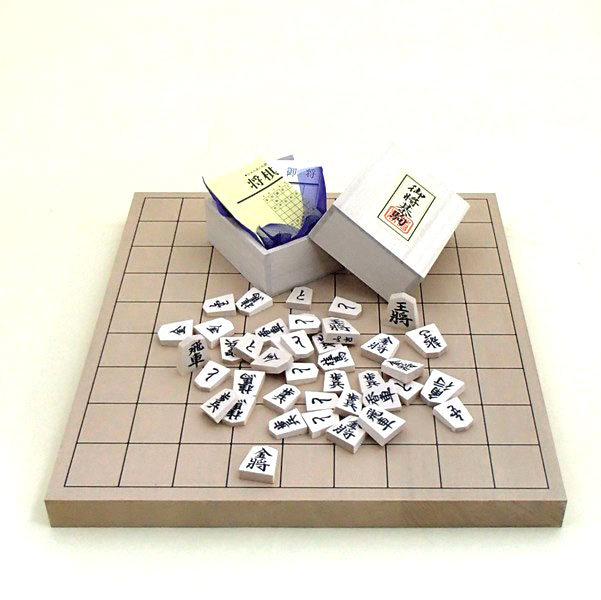 新桂1寸卓上将棋盤と白椿上彫駒の将棋セット