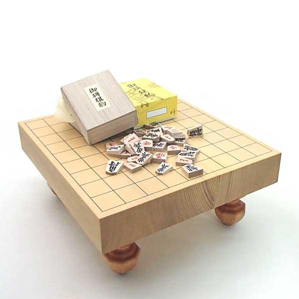将棋盤セット 新かや2寸足付接合将棋盤竹としっかり太字の木製特選将棋駒のセット