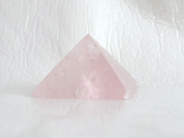 ローズクオーツのピラミッド  【pyramid021】