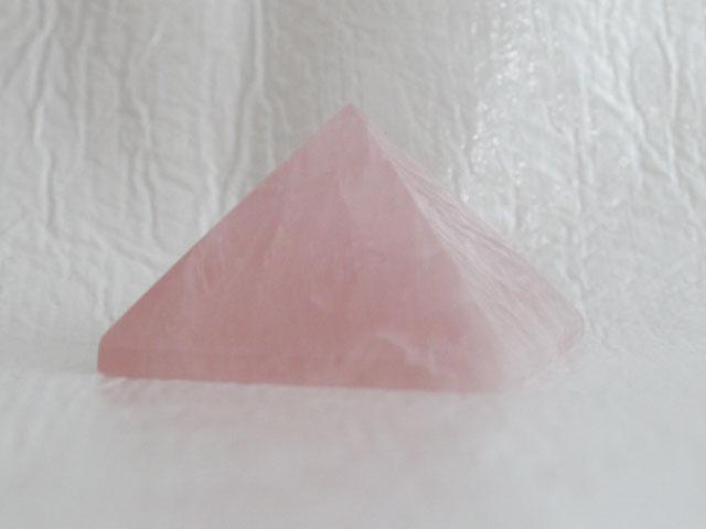 ローズクオーツのピラミッド  【pyramid026】