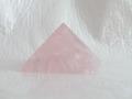 ローズクオーツのピラミッド  【pyramid022】