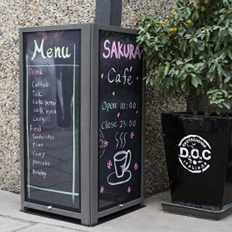 ウォールアングル チョークボード 450×900mm カバー付 ブラックボード/飲食店・サロン・カフェ/屋内・屋外