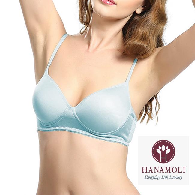 ★【ワイヤレスシルクブラ】シルク100%■豊富で綺麗な5カラー■やわらかで軽い着け心地■らくなのに綺麗