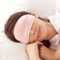 【最終価格半額以下】■ 潤いシルクのおやすみアイマスク