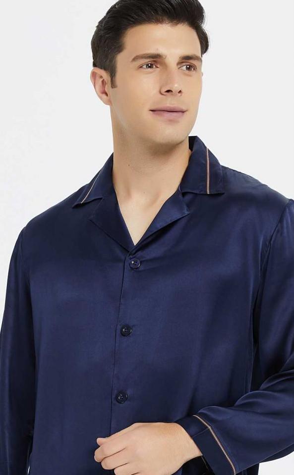ネイビー 紺色のシルク長袖パジャマ