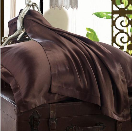茶色のシルク枕カバー