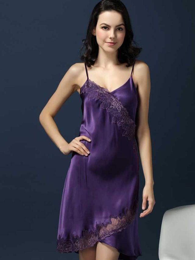 紫色のシルクスリップ ランジェリー