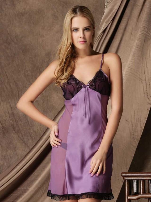 紫色のシルクレーススリップ