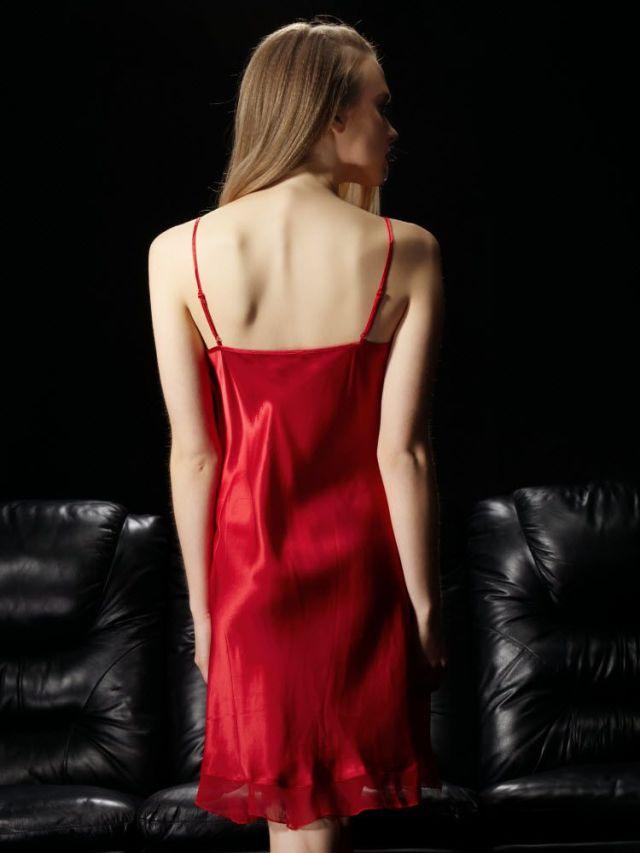 レッド 赤色のシルクスリップ ランジェリー