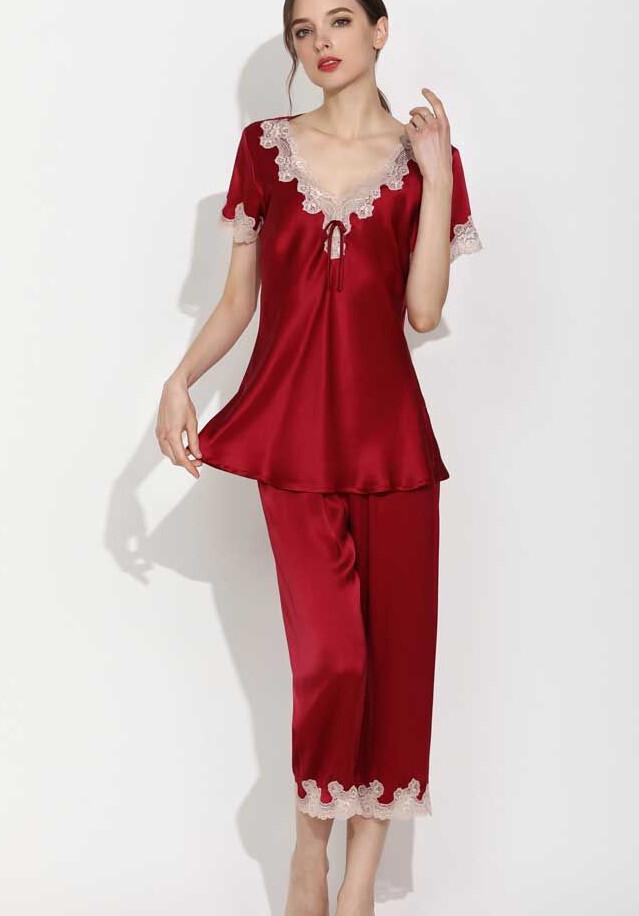 レッド 赤色のシルク半袖パジャマ フリル