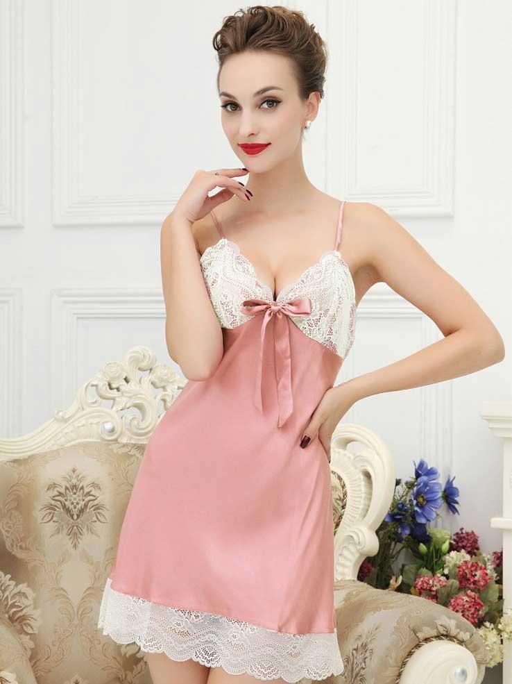 ピンク色シルクスリップ ランジェリー