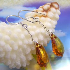 黄色い雫のスワロフスキーシルバーピアス
