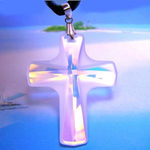 神秘的な輝き大きなクロス(十字架)のスワロフスキー(クリアー)