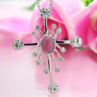 夢中の輝く、清楚で愛らしい花火みたいのクロスのシルバーペンダント