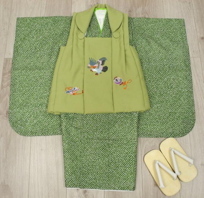 七五三 新作 高級3歳男の子着物(被布コート)セット◆刺繍入り 抹茶色系/緑色系 鹿の子柄◆d8330※レンタルも可