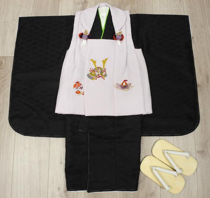 七五三 新作 高級3歳男の子着物(被布コート)セット◆刺繍入り 白色系/黒色系◆d8334※レンタルも可