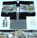 七五三 新作 5歳男の子着物フルセット◆黒色 兜に軍配◆sdn010