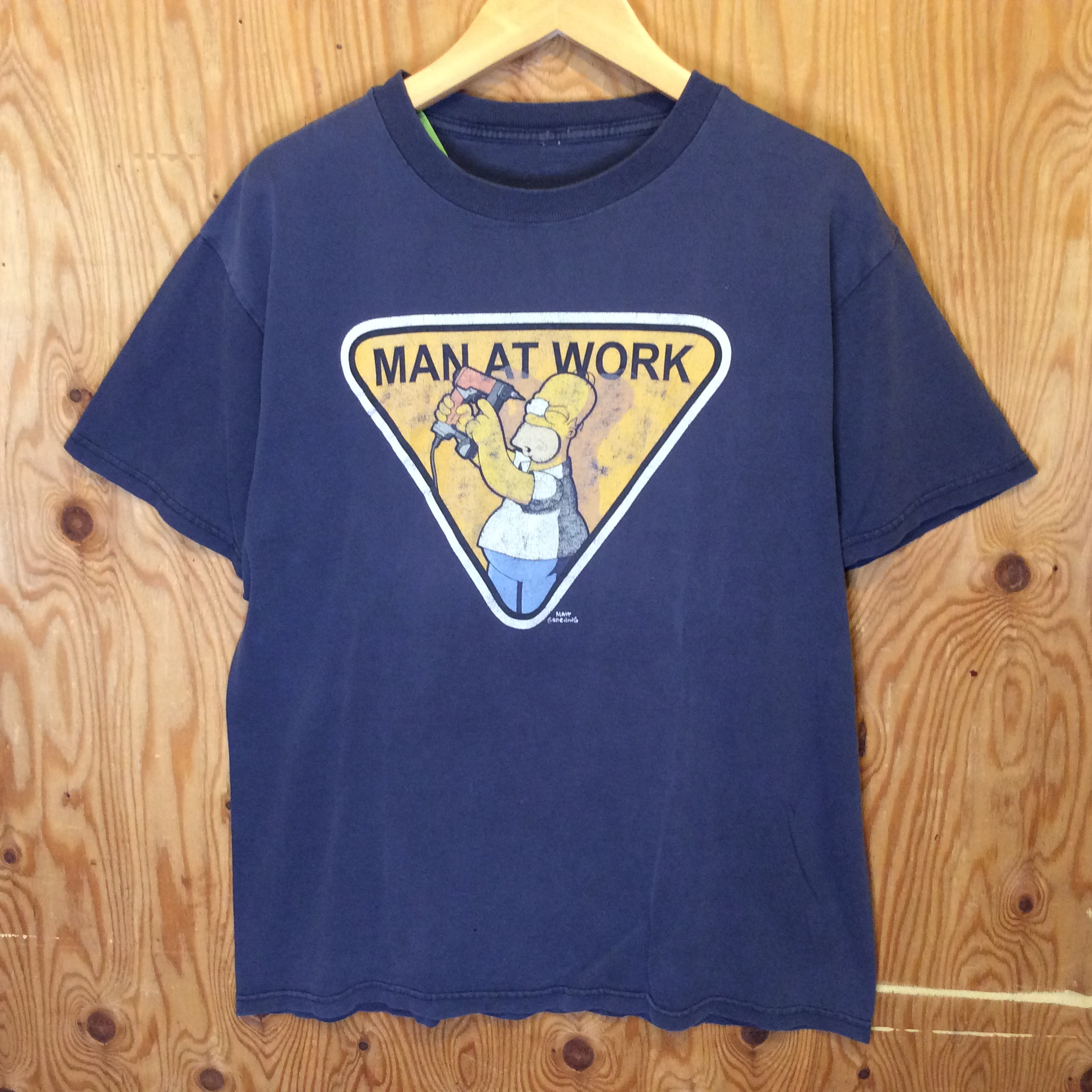 """THE SIMPSONS """"MAN AT WORK"""" T-SHIRT / SIZE M / USED"""