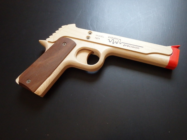 "<img src=""https://www.smilestage.jp/pic-labo/llimg/epm19112.jpg"" alt=""ELASTIC PRECISION MODEL 1911 RUBBER BAND GUN"">"
