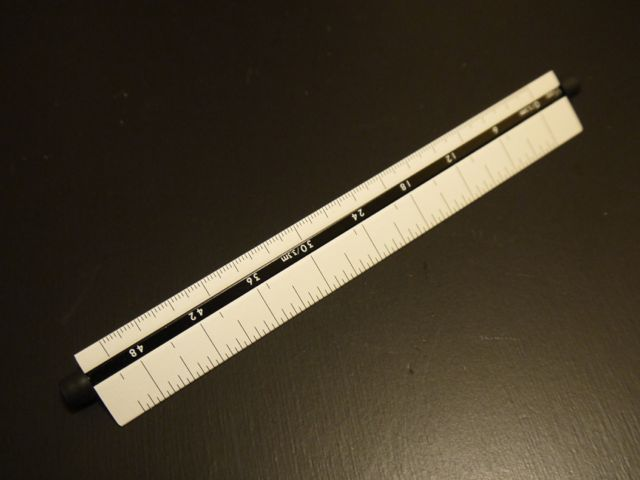 シンワ 三角回転スケール 15cm 尺相当目盛付
