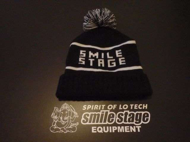 SMILE STAGE KNIT WEAR