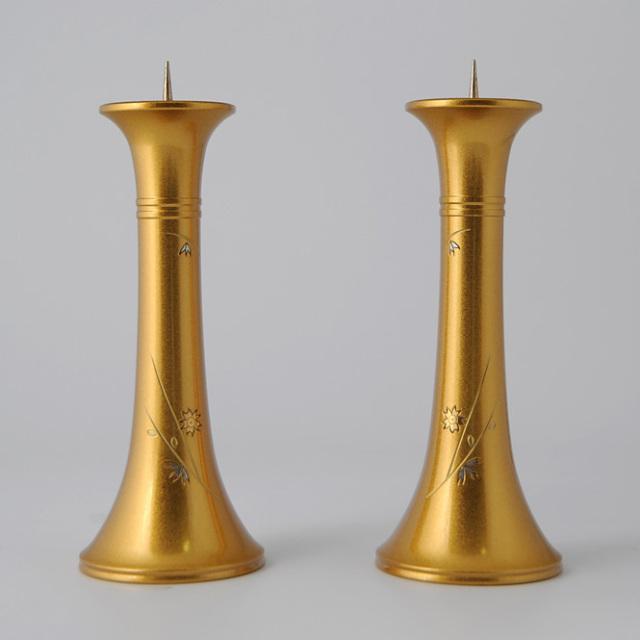 銅器会館型ローソク立て 金塗り 桜彫金 4.5寸