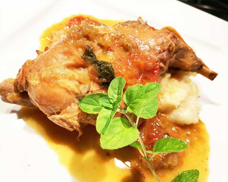 【イタリア伝統料理】うさぎ肉のイスキア風