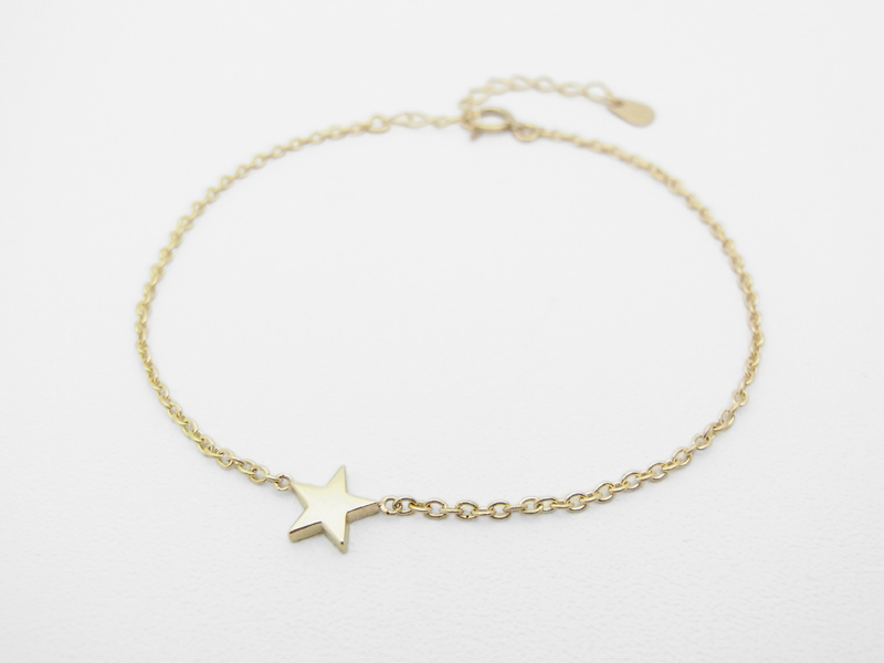 Little Shine Star Bracelet - K10 Yellow Gold