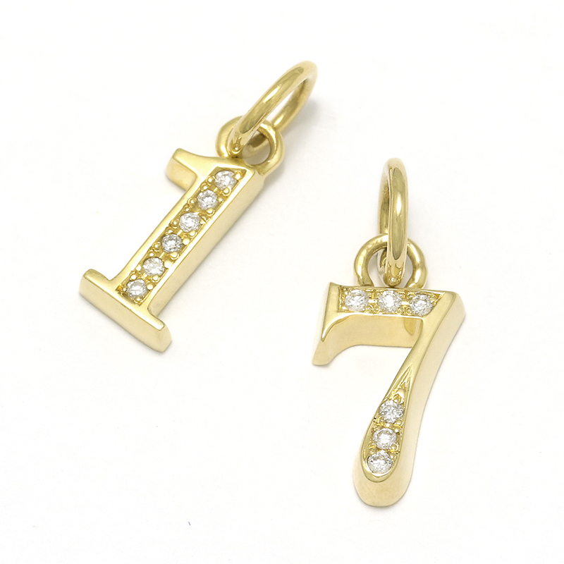 Number Pendant - K18Yellow Gold w/Diamond