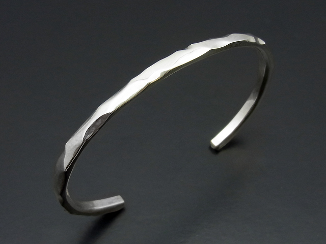 Side Studs Bangle - Silver