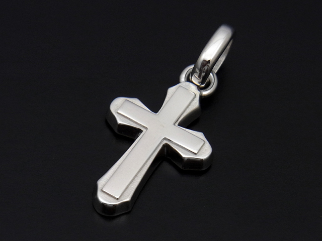 Smooth Cross Pendant M - Silver