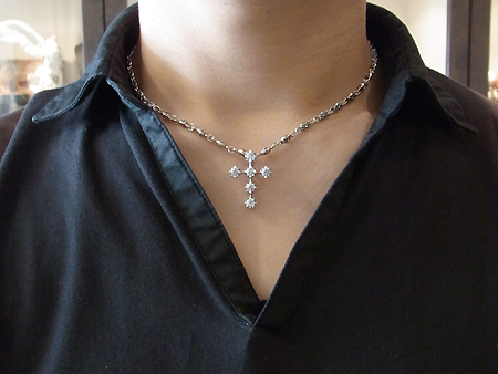 Debutant Cross Pendant