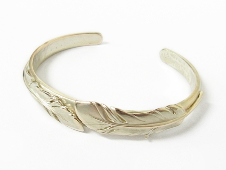 Old Feather Bangle - K10 Yellow Gold