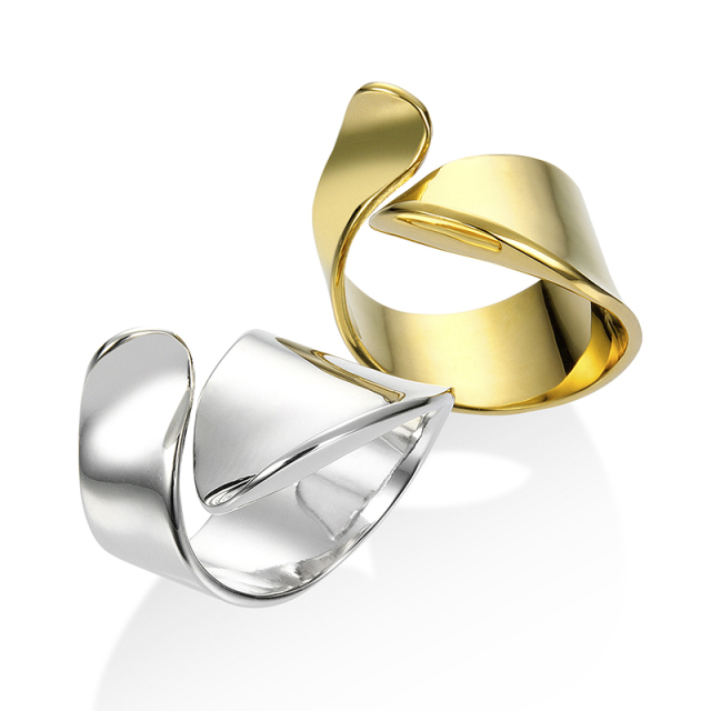 Loosely Ring