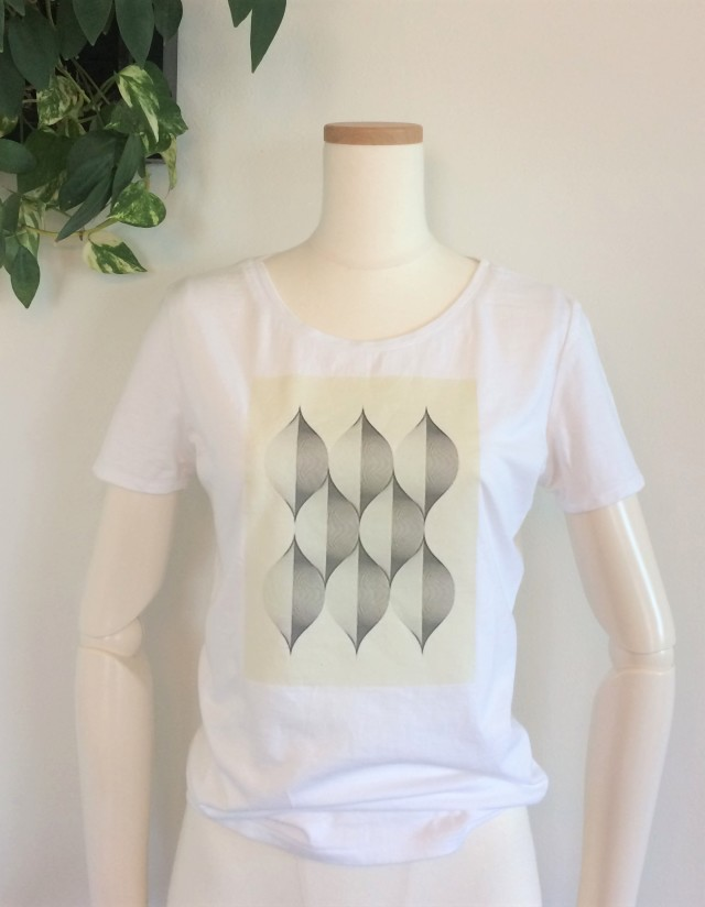 TシャツA2
