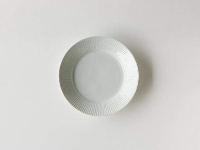青白磁 しのぎ 7寸 丸皿 有田焼